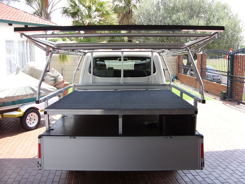 CBCC bakkie bed and drawer